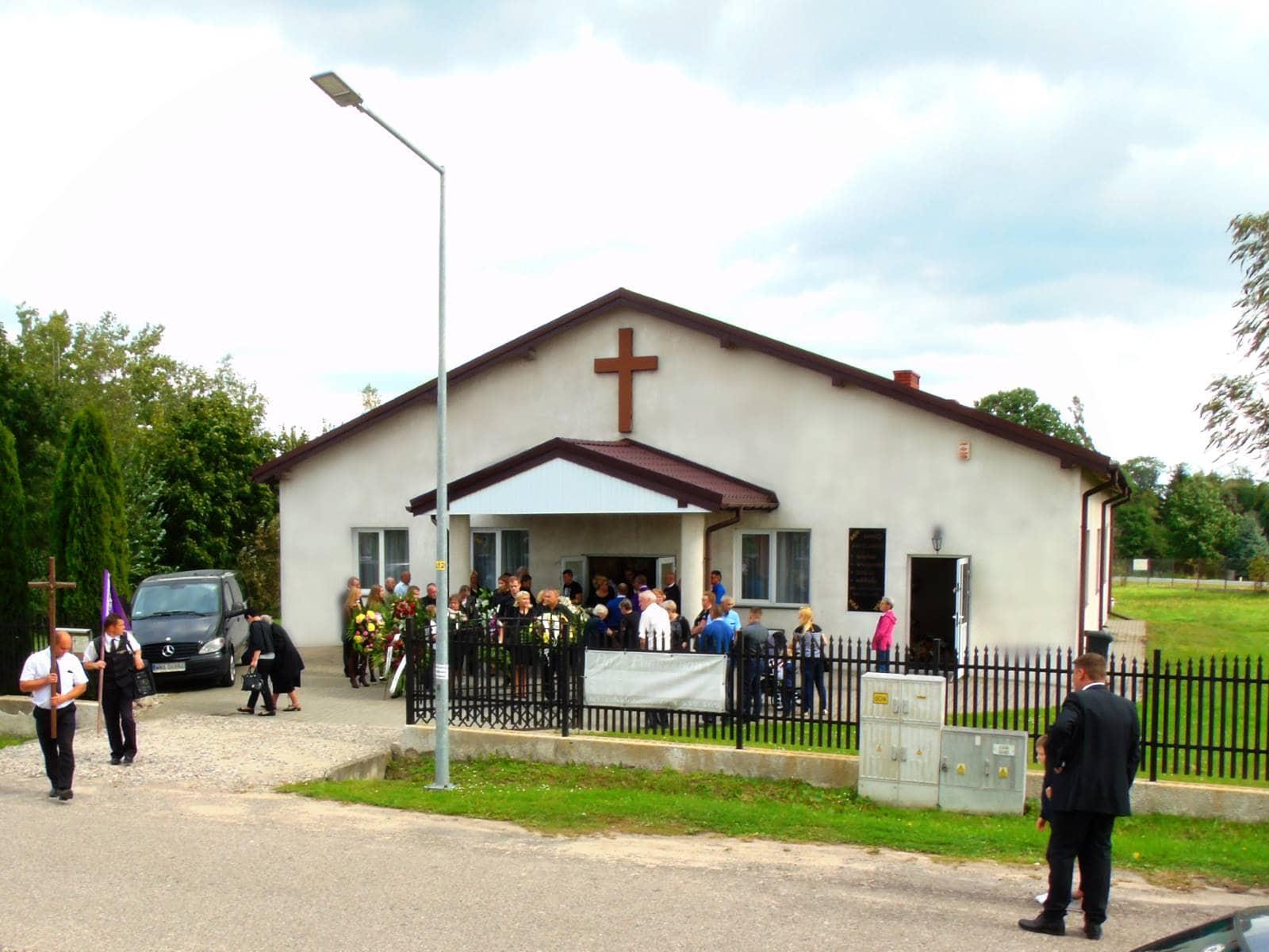 dom pogrzebowy karniewo
